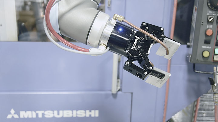 Mount Many Diffrent Tools On Our Collaborative Robot Here Its A Robotiq Gripper