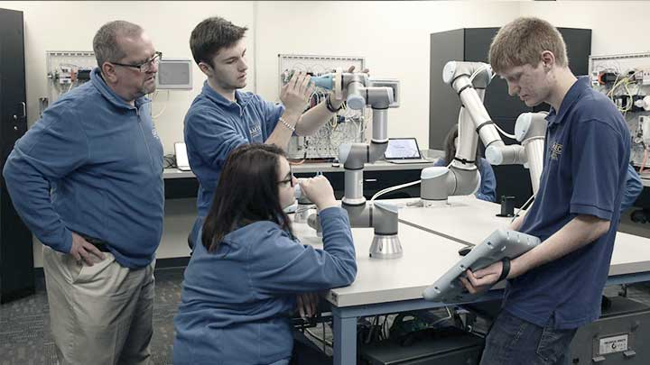 Universal Robots Ramtec Cobots In Education