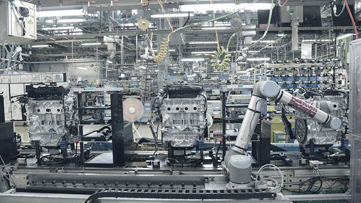 Collaborative Robots At Nissan Moror Company In Japan