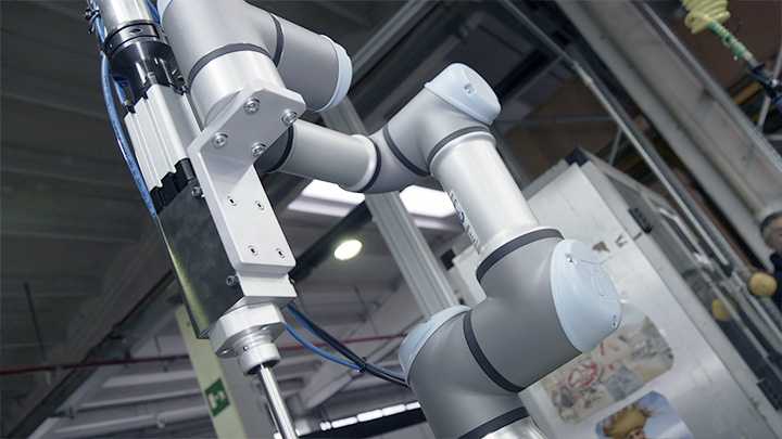 Collaborative Robots Work Alongside People To Eliminate Wastage In Power Tool Assembly