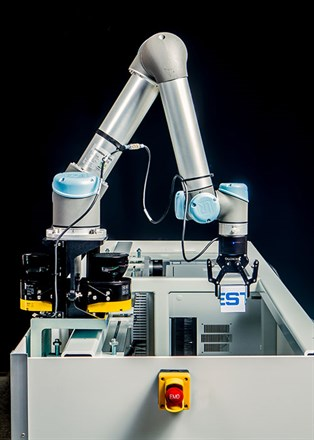 Festo The 7Th Axis And Collaborative Universal Robot
