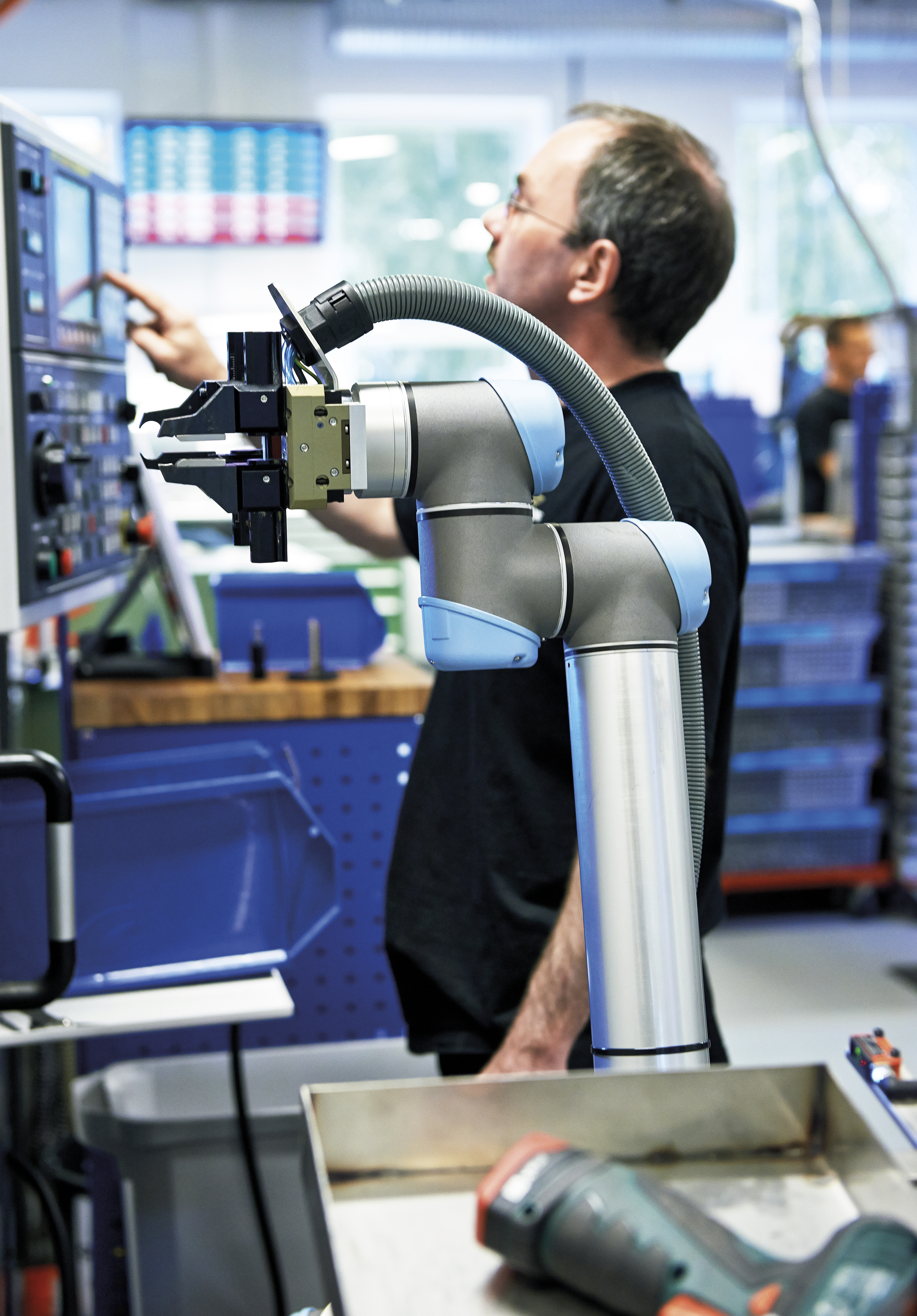 Collaborative Robots forecasted to drive accelerating growth in robotics through 2020