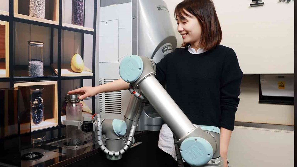 One UR5 cobot at Babo Arms in Taiwan
