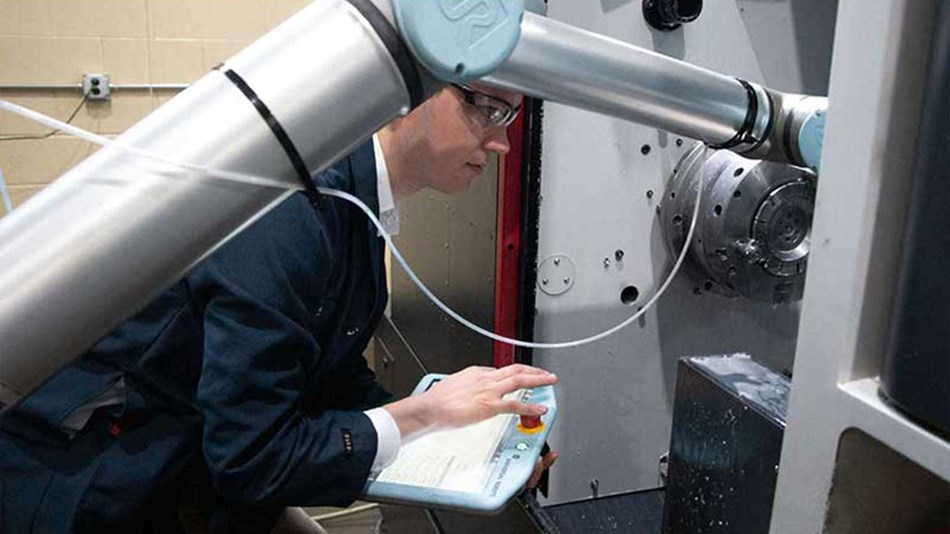 Machine tending application with collaborative robots from Universal Robots