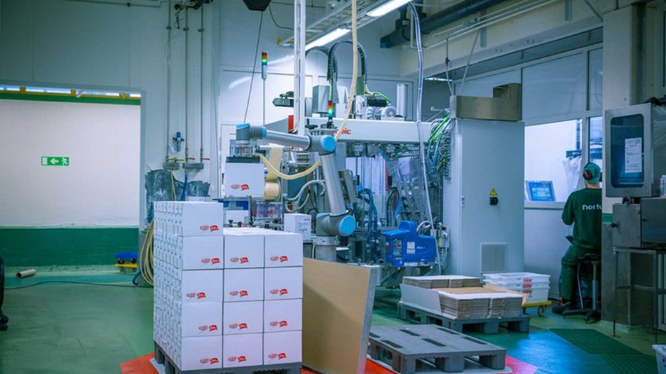 Nortura has optimized the use of floor space by implementing a UR10 from Universal Robots
