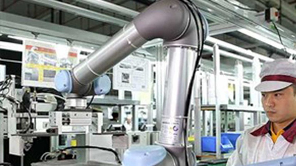 Easy programming of a collaborative robot at wistron electronics.