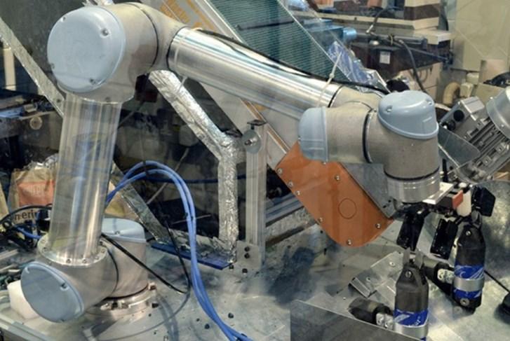 quali aziende hanno applicato i cobot al processo produttivo -CLAMCLEAT - Universal Robots