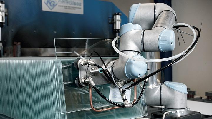 Robots Provide Glass Manufacturer A Competitive Edge